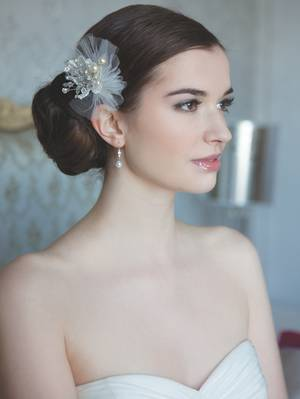 Accessoires für die Braut: Kopfschmuck von Rainbow Couture