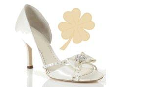 [title] - Wussten Sie um die glücksbringende Bedeutung von Schuhen insbesondere für frisch Vermählte?