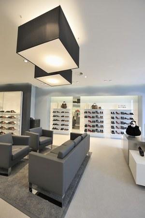 94c0eabf3b6e61 Neustart bei Leiser  Jetzt macht Schuhe kaufen in Frankfurt noch ...