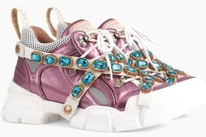 [title] - Gucci begeistert mit stylischen Sneakers die Modewelt. Die Luxus-Schuhe bestechen durch extravagantes Design, Eleganz und Qualität