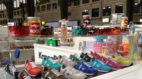 Erdbbeere, Zitrone, Minze - die Trendfarben der neuen KangaROOS Sneaker erinnern an fruchtige Bonbons