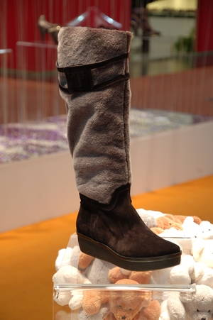 Fashion-Trend- Fellstiefel im Winter 2010